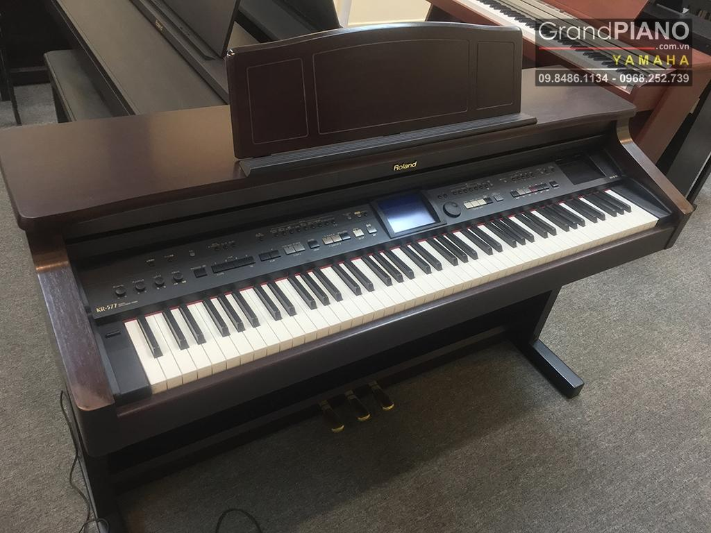ROLAND KR-577D SERIAL: ZN18976